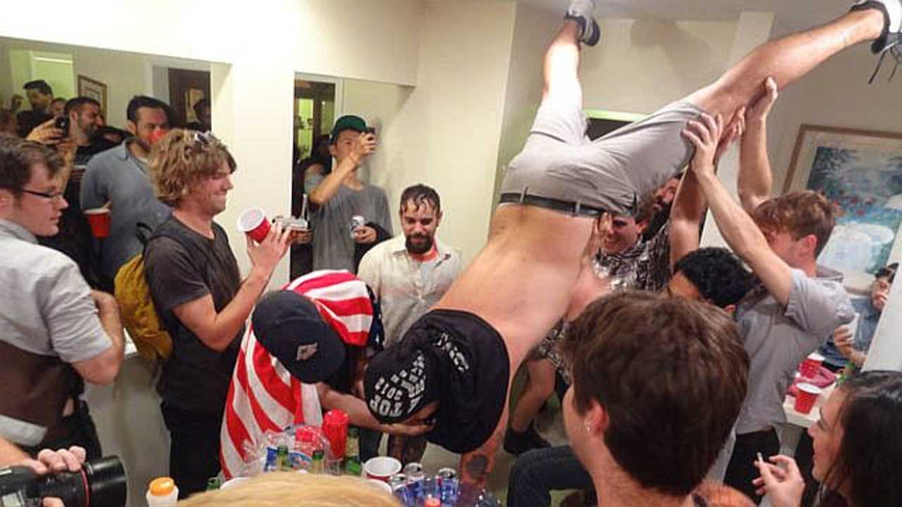THE 9 WORST PEOPLE AT EVERY COLLEGE PARTY